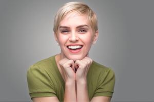 Woman with nice teeth smiling